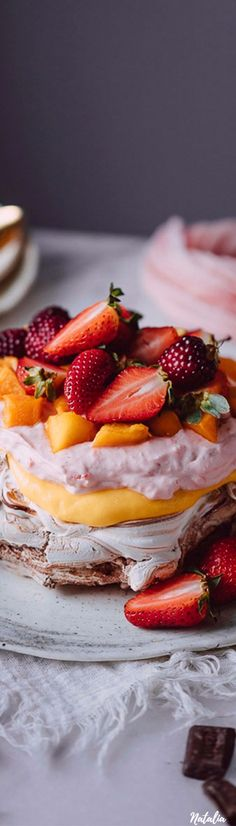 Pavlova, Camembert Cheese, Delicious Desserts, Tasty, Magazine, Fun, Life, Magazines, Funny