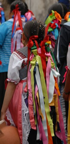 Braids with Ribbons Mexico The Purepecha women participating in a festival in Charapan Michoacan have tied colorful ribbons in their braided hair Mexican Hairstyles, Braided Hairstyles, Ribbon Braids, Hair Ribbons, Festivals Around The World, Thinking Day, World Photography, Folk Costume, People Around The World