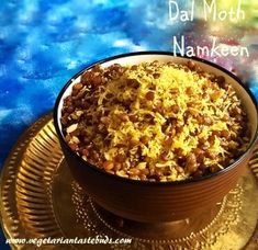 Dal Moth Namkeen Recipe | easy homemade dalmoth recipe | easy snacks recipes | Vegetarian Tastebuds Veg Recipes, Sweets Recipes, Vegetarian Recipes, Snack Recipes, Cooking Recipes, Diwali Snacks, Chaat Masala, Quick Snacks, Special Recipes