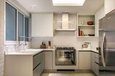 06-tons-neutros-e-pecas-de-design-compoem-o-decor-de-apartamento-no-rio