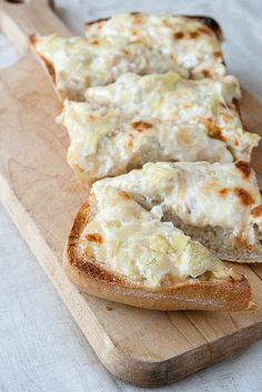 Artichoke Garlic Bread