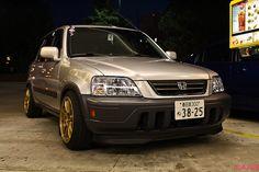 great lighting! silver honda crv rd1