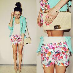 Za Mong Shorts, Avaro Jacket