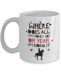 HUMORISTISCH koffie mok voor HORSE LOVERS - is deze keramische koffiemok perfect voor mensen die weten hoe duur een paard passie kan zijn! Geweldige manier om een lach op het werk rond het kantoor of gewoon thuis met uw familie en vrienden. -GOEDKOPE nieuwigheid cadeaus ochtends koffie mok die uw vrienden, familie of collegas zullen er trots op om te gebruiken. Ze zullen weten dat je in de extra inspanning om iets te vinden veel beter dan een typische goedkope keramische bedrukte mok…
