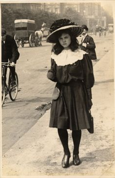 Notting Hill, north Kensington 20th June 1906 ...Looks like she's wondering why someone's taking her pic.