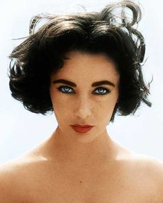 Classic Hollywood Starlets Colorized (20 PICTURES)