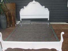 french provential queen bed | ... -WHITE-TIMBER-CARVED-QUEEN-ANNE-DOUBLE-BED-VINTAGE-FRENCH-PROVINCIAL