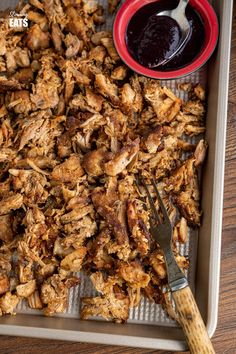 Pulled Pork with Blueberry BBQ sauce - Tender slow cooked pulled pork with a delicious tangy smoky blueberry BBQ sauce #pork #blueberries #slowcooker #slimmingworld #weightwatchers #smartpoints #crockpot