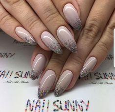 Tendance Vernis 30 mest iøynefallende neglekunst design for å inspirere deg Cute Nails, Pretty Nails, My Nails, Bride Nails, Prom Nails, Wedding Nails, Stiletto Nails, Coffin Nails, Glitter Nails