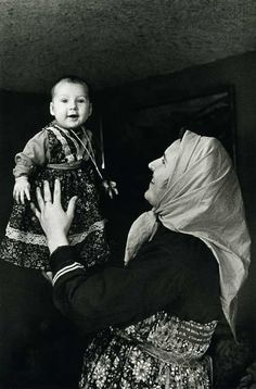 Russian Old Believers Folk Costume, Costumes, Old Believers, Headscarves, Russian Orthodox, Russian Folk, Old Photos, Drum, Pride