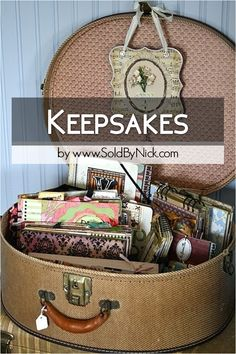 Decluttering, minimalizing, organizing Keepsakes, Souvenirs, Sentimental, Mementos & Memorable Items - Packing / Moving Tips