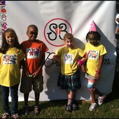 Little StorkBrokers helpers sporting their custom designed StorkBrokers tees
