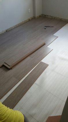 Chão do quarto terminando.