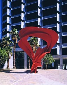 The 40 storey QV1 tower, designed by Harry Seidler, is at the top end of St. Georges Terrace on the corner of Milligan Street. Key tenants include Chevron, Pricewaterhouse Coopers, and Worley Parsons. This sculpture at the entrance on the south-east corner is by Charles Perry (1929 - 2011) called Conic Madrigal. Charles Perry, 'sculpture must stand on its own merit without need of explanation'.