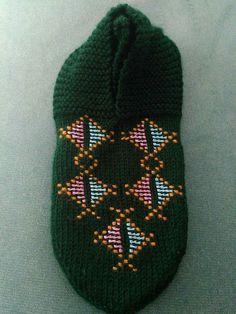 Baby Knitting Patterns, Knitted Hats, Fashion, Tejidos, Moda, Fashion Styles, Fashion Illustrations, Knit Hats