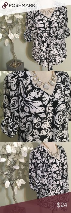 Ann Taylor Blouse Gorgeous elegant blouse in excellent condition, 100% polyester Ann Taylor Tops Blouses