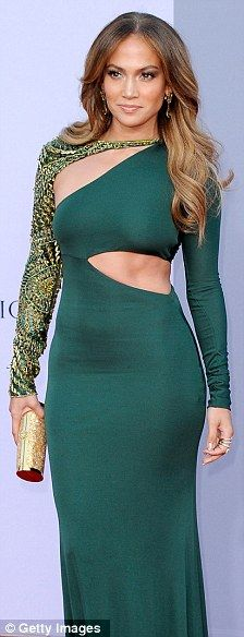Jennifer Lopez WOW to that body and WOW to that dress!