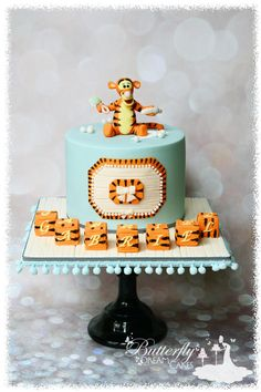 A Tigger Baby Shower cake - Cake by Julie - Tortendeko - Kuchen Pretty Cakes, Cute Cakes, Tiger Cake, Winnie The Pooh Cake, Jungle Cake, Friends Cake, Baby Shower Cakes For Boys, Birthday Desserts, Birthday Parties