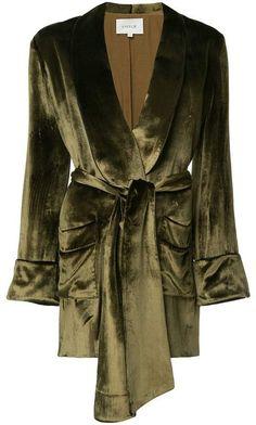 Layeur Barbara Velvet Blazer In Green Casual Blazer, Blazer Outfits, Blazer Fashion, Blazer Dress, Casual Outfits, Dress Outfits, Fashion Outfits, Womens Fashion, How To Wear Blazers