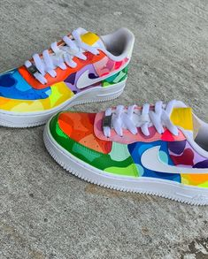 Different color camo all over describes this head turning color way. Painted Sneakers, Painted Shoes, Swag Shoes, Colorful Sneakers, Cute Nike Shoes, Nike Shoes Air Force, Aesthetic Shoes, Fresh Shoes, Hype Shoes