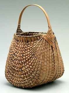 "Oak split ""hen"" basket, traces old white paint, scattered small breaks, some interior grime, 15 x 10 x 8-1/2"""
