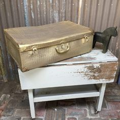 Vintage suitcase goes pure gold with Fusion Metallic Paint @FusionPaint  #metallics #painteddecor #gold #paintedsuitcase