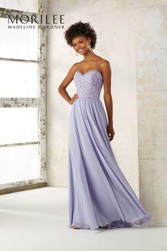 Długa suknia wieczorowa Mori Lee z haftowanym gorsetem. Piękna, zwiewna suknia Mori Lee idealna na lato, wakacje, jak i na …