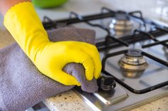 These kitchen cleaning tips will help prevent lingering cooking odors. Get tips on how to clean kitchen cabinets, and keep kitchen odors at bay from HouseLogic. Dirty Kitchen, Clean Kitchen Cabinets, Kitchen Hoods, Open Plan Kitchen, Kitchen Stove, Cheap Kitchen, Kitchen Things, Kitchen Appliances, Living Room And Kitchen Design