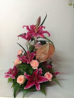 Pink lillium with pink roses