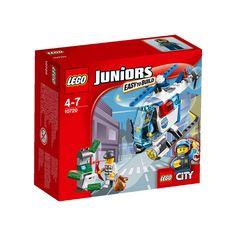 Conheça o sensacional Lego Juniors - Helicóptero de Perseguição da Polícia, um conjunto incrível que vai conquistar a garotada.   Com ele as crianças poderão soltar a imaginação e usar toda a criatividade para criar as mais animadas aventuras.   Um ladrão está assaltando um caixa eletrônico e você pode utilizar o helicóptero da polícia para capturá-lo.   Lego Juniors é um brinquedo impecável que vai proporcionar muitos momentos de alegria e diversão.