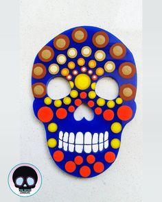 Calavera en acrílico azul pintada a mano para llavero  #CalacasCaracas  Pedidos vía whatsapp [ver perfil]