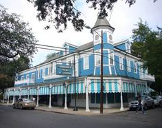 Comander's Palace in New Orleans. Try before you die: Top 16 iconic Southern restaurants - See more at: http://www.charlestonfoodbloggers.com/2014/01/15/the-16-iconic-southern-restaurants/#sthash.ReHpzmET.dpuf