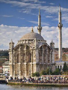 Мечеть Ортакёу, Стамбул www.russkiygidvstambule.com Индивидуальные экскурсии по Стамбулу. Исмаил Мюфтюоглу Частный гид историк.