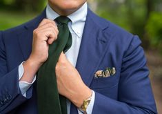 Wearing a (Bright) Blue Suit with a Hunter Green Tie, and a Light Blue shirt. This may be the winner. Dark Navy Blue Suit, Bright Blue Suit, Blue Suit Men, Green Suit, Navy Blue Shirts, Light Blue Shirts, Blue Suits, Pretty Shirts, Cool Shirts