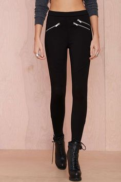 We designed these black moto leggings with structure in mind.
