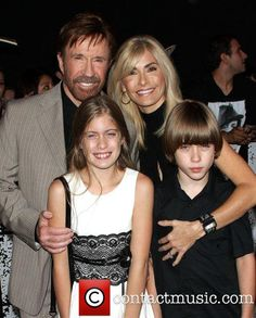 Chuck Norris -with-his-wife-gena-and their children Chuck Norris Wife, Bruce Lee Chuck Norris, Celebrity Portraits, Celebrity Couples, Celebrity Photos, Celebrity News, Walker Texas Rangers, Bruce Lee Photos, Veteran Car