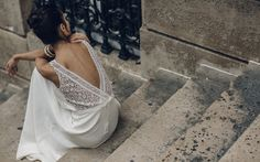 Robe de mariée Laure de Sagazan dos en dentelle robe sur mesure parisienne http://www.vogue.fr/mariage/adresses/diaporama/laure-de-sagazan-dvoile-sa-nouvelle-collection-de-robes-de-marie-2016/21435#laure-de-sagazan-dvoile-sa-nouvelle-collection-de-robes-de-marie-2016-23
