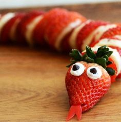 Fun way to serve strawberries and bananas at a jungle safari party!