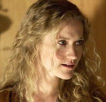Paula Malcomson (Mrs. Everdeen)