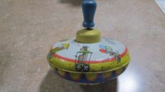 Vintage-Ohio-Art-Tin-circus-train-Spinning-Top-Toy-Wood-Metal