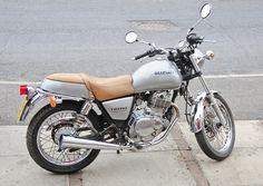 suzuki tu250x | Suzuki TU250X Motorcycle, Motorbike, 2000 Model in Silver (right side ...
