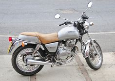 suzuki tu250x | Suzuki TU250X Motorcycle, Motorbike, 2000 Model in Silver (right side ...