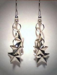 Verrückte Ohrringe und Schmuck Welt  - Ohrringe Sterne 3 kleine Edelstahl Ohrhänger Metall Legierung Modeschmuck Damen Neuware