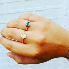 ***spoiler alert*** Sneak preview of our new 'EXAGONI' rings available next week in solid 18k white yellow & rosegold..Shout out to our lovely staff who pushed it through #dreamteam !!!♡ #minitials #minitialsmoments #18k #solidgold #ring #initials #exagoni #weareinlove #finejewelry #jewelry #nevertakeitoff
