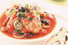 This chicken cacciatore recipe is nutritious and bursts with flavour. Make it ahead and freeze it for later. - Serve with spiral pasta - definitely worth a go!