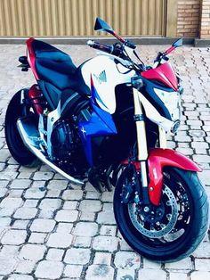 Cb 1000r capitão america Hornet 600, Honda Sport Bikes, Cb 300, Range Rover Evoque, Sportbikes, Honda Cb, Malm, Cars And Motorcycles, Motorbikes