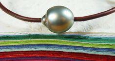 Tahitian pearl leather and silver Unisex bracelet by PerlaMundi, €75.00  #tahitianpearls #tahitian #pearls #boho #bohemian #handdmade #organic #gypsy #jewels #madeinfrance #giftingluxury #blackpearls #surf #surferjewelry #surf #surfer #handmade #beach #jewelry #jewel #perlamundi #perla #mundi #bracelets #necklaces #earrings #tahiti