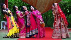 Beautiful Punjabi bride with her bridesmaids....#fun time #happy Moment.. Photo Credits : @SunnyDhimanPhotography