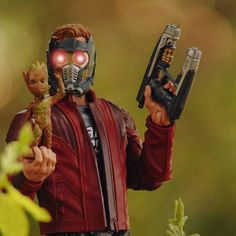 🎧–Hey Groot tell them what we celebrate today?  🌱–I'm Groot... #Starlord #BabyGroot #GuardiansOfTheGalaxy #MarvelLegends #toyphotography #PeterQuill #Marveltoypictures #toyphotographer #tcb_offtheroad #tga_bloodgod #Rebeltoysclub #toptoyphotos #toyartistry #exclucollective #ToyOutsiders #ToyPhotographyMexico #MarvelComics #Groot #Avengers #Toycommunity #ata_marvel