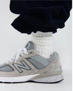 Sneakers New Balance disponibles sur girlsonmyfeet.com 🔗 Cute Fashion, Fashion Beauty, Girl Fashion, Fashion Tips, Fashion Gone Rouge, New Balance Sneakers, New Balance Women, Cute Shoes, Tennis